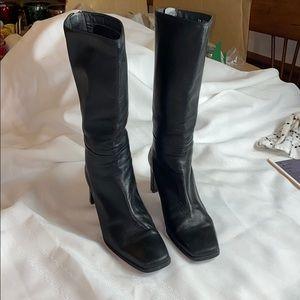 Stuart Weitzman heeled black leather boot Sz 7.5